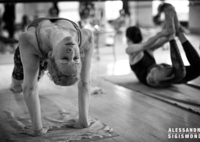 Alessandro-Sigismondi_Nea-Ferrier_Ashtanga-Yoga-Dubai_023