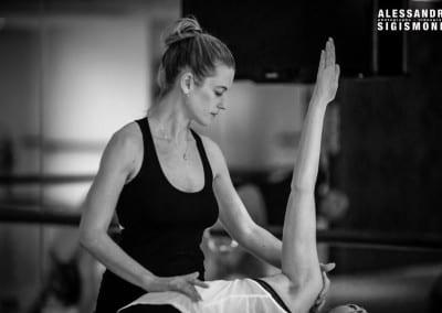 Alessandro-Sigismondi_Nea-Ferrier_Ashtanga-Yoga-Dubai_033